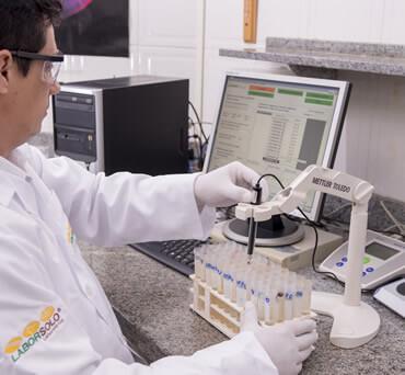 Procedimento de análise em laboratório agronômico
